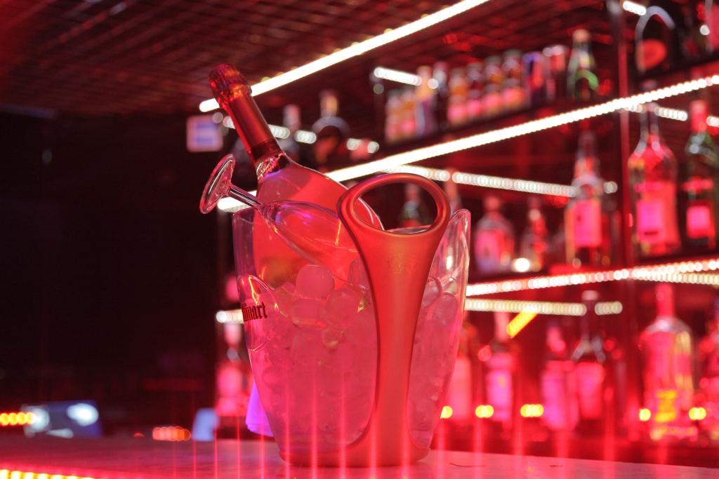 cabaret champagne le boa nice